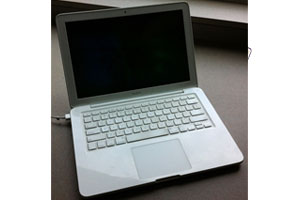 APPLE macbook polycarbonate